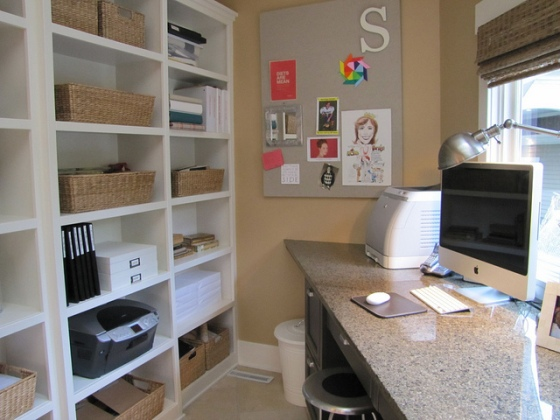 Clean_organized_office